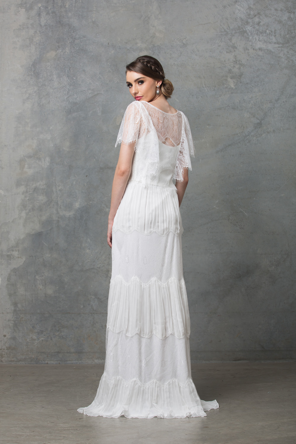clara-boho-wedding-dress-to58-v-white-back