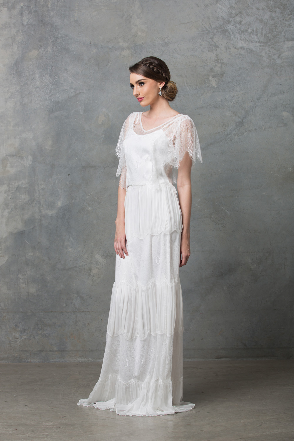 clara-boho-wedding-dress-to58-v-white-side