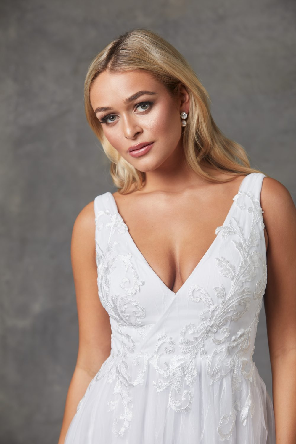 Liv Wedding Dress-Purewhite-closeup